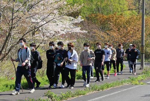 2021-05-14-マスイチ展望台ウォーキング-桜下